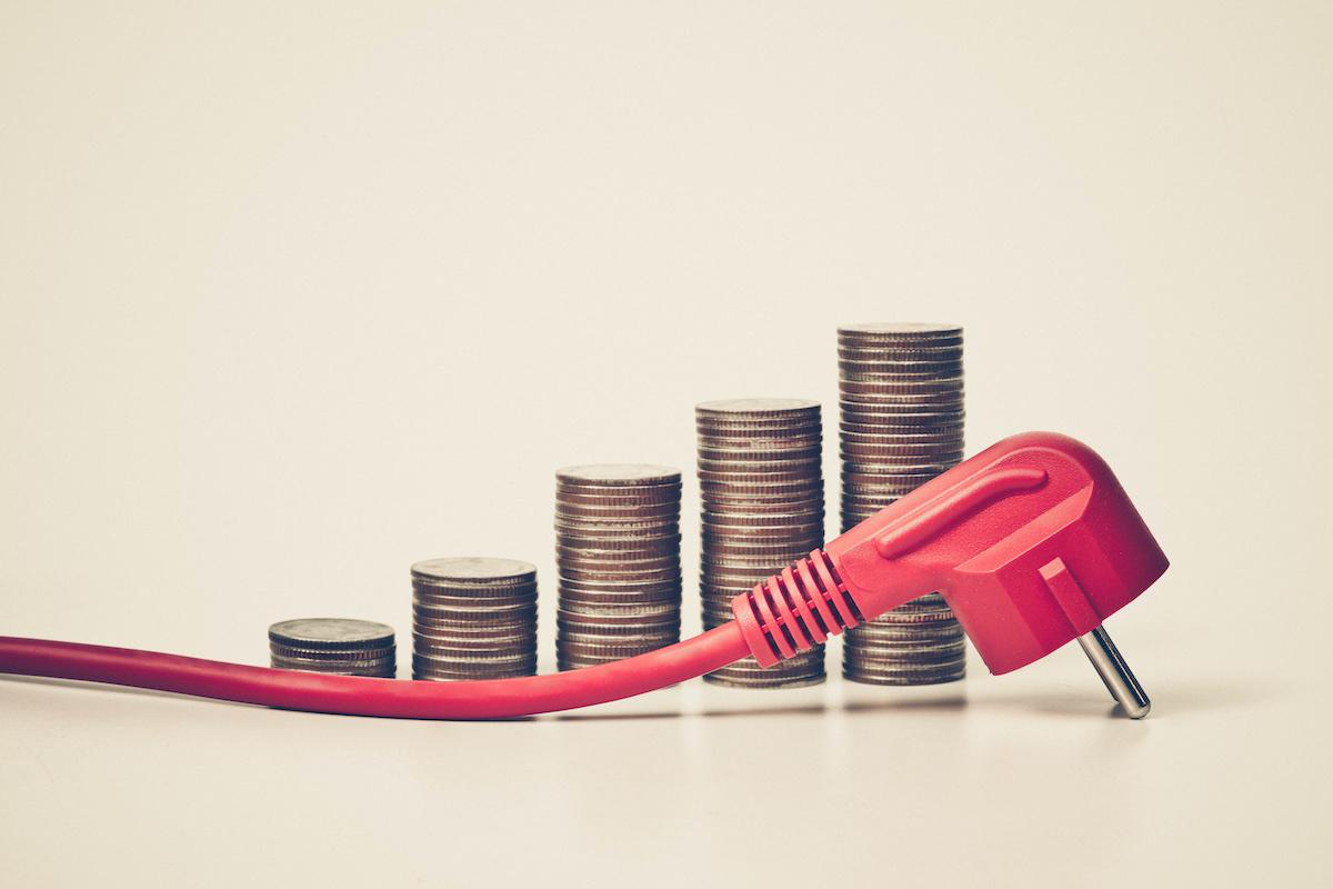 saving money on utility bills with solar